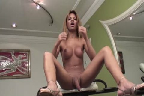 Sarah Costa Is A Latin Trans Masturbating