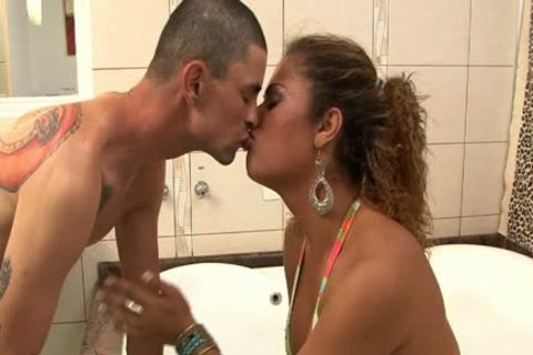 Kelly And Pablo Sodomize In The baths
