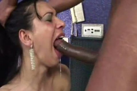 Travesti Renata Araujo Is Filled With cum