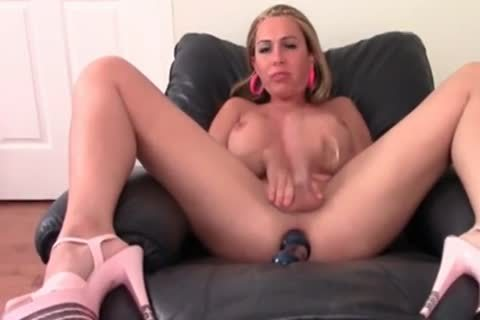 Blond tranny Danyka In sexy Solo Action
