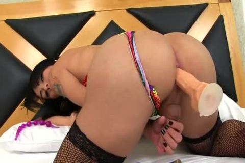 tranny Nicolly Pantoja Playing With Rubber dongs