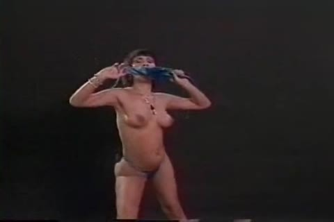 ladyman Morelle Dekeigh Dances Striptease And fucking With man