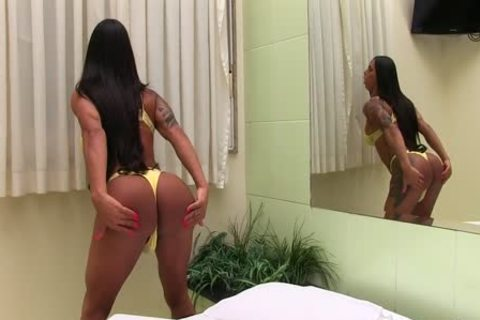 shelady Rosy Pinheiro Jerks Her cock whilst Using A sextoy
