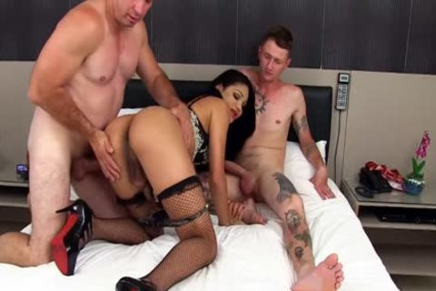 Saucy ladyman Larissa Albuquerque drilled In face hole And wazoo By Two men