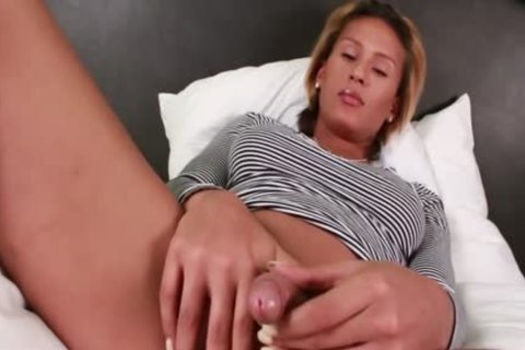 juicy sheboy Jamie Croft Plays With Her thick dick