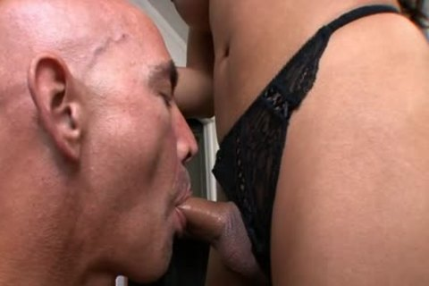Exotic shemale bangs Her Boss In The Office