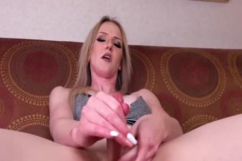 Trans blond Kayleigh Coxx spreads anal With dildo