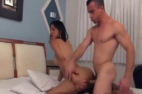 shelady Hellen Sandorran Takes Care Of His cock With Her pleasant throat And arse