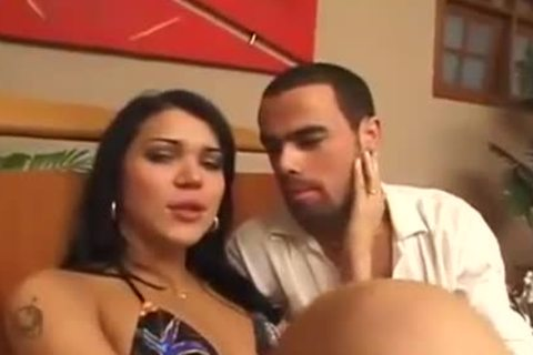 latina shelady receives sucked Off