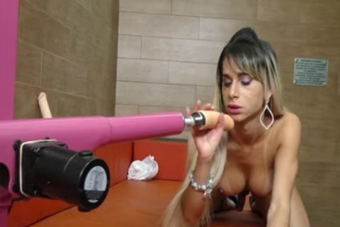 enormous arse blonde ladyman Nathalia De Castro gets pounded By A Machine