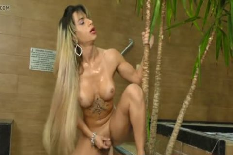 Phat anal sheboy Nathalia De Castro widens Wide For A Machine