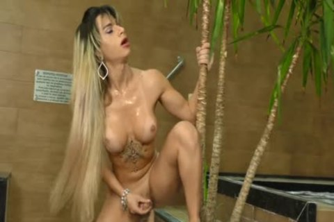 Phat butthole lady-man Nathalia De Castro spreads Her large Cheeks Wide For A Machine