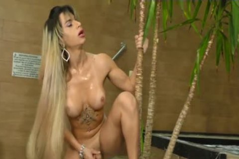 Phat booty t-girl Nathalia De Castro widens Her gigantic Cheeks Wide For A Machine