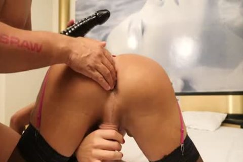 Bianca Reis And Yago In deep Fisting & cum swallow raw