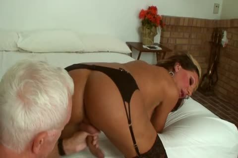 Ariel Everitts - pretty Clits - filthy Sex With A sheboy