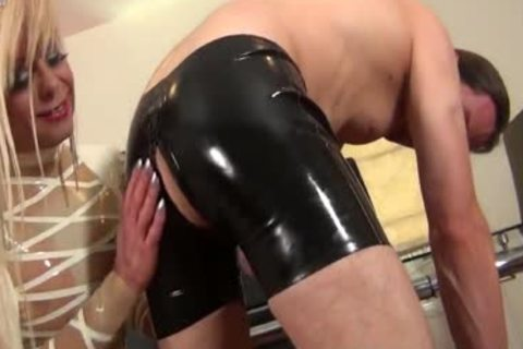 bareback & Latex Loving tranny mother I'd like to pound hoe