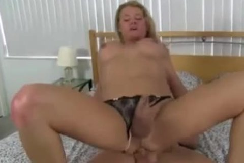 blonde TS Had Appetite For Sex