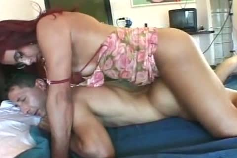 Try A pokeing In Turn With A Redblowjob TS MILF