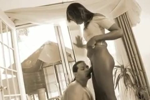 black longnailed shemale gets sucked And bang stud