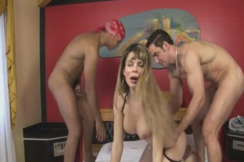 lady-boy Takes One In The mouth And One In The anal
