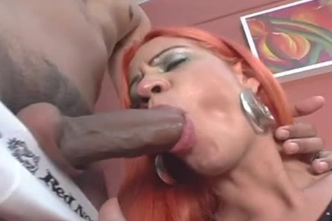 Paola Felix Uses Her 10-Pounder To penetrate Him