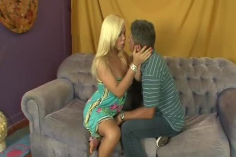juicy busty blonde tranny acquires Laid